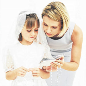 Simple ways to personalize Holy Communion celebrations